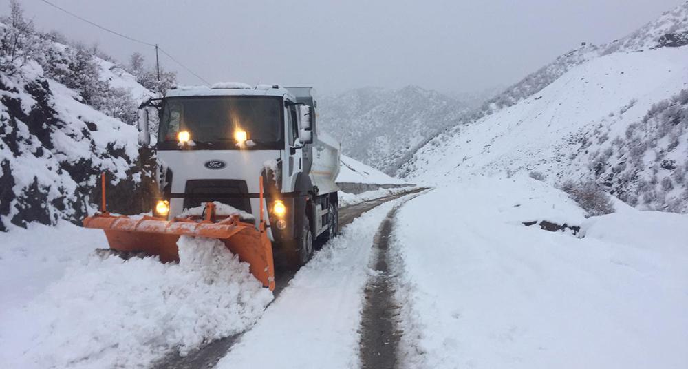 Şırnak'ta kar yağışı ulaşımı olumsuz etkiledi