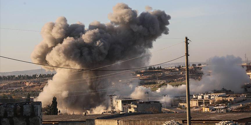 İdlib'deki sivil yerleşimlere hava saldırısı: 13 ölü