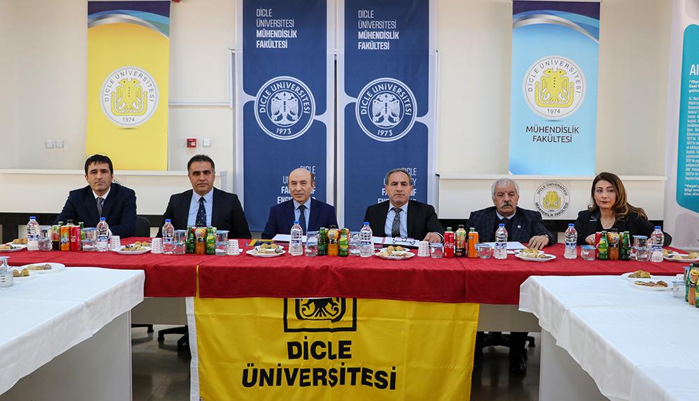 """Dicle Üniversitesi ile OSB arasında """"lisansüstü eğitim protokolü"""" imzalandı"""