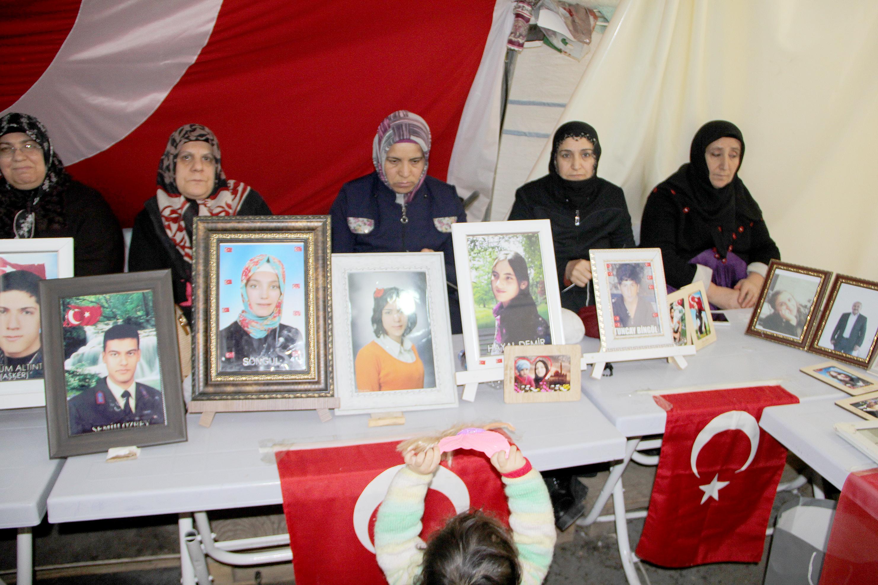 HDP önündeki ailelerin evlat nöbeti 170'inci gününde