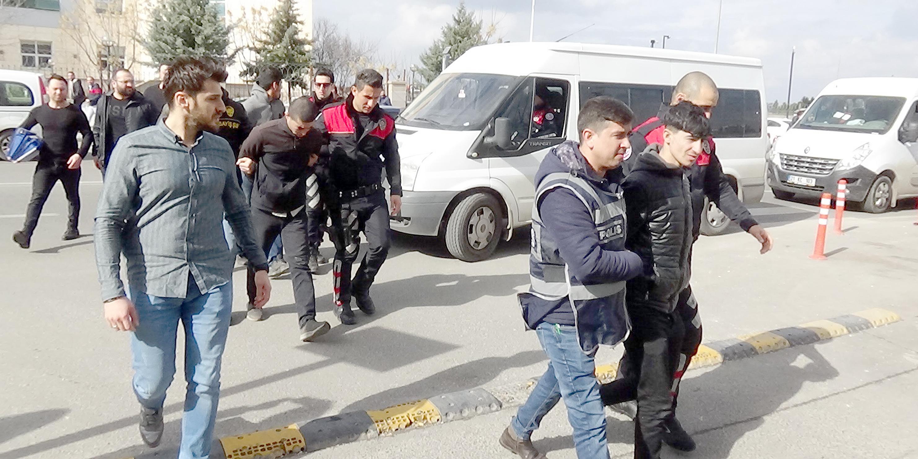 VİDEO - Diyarbakır'da hırsızlık çetesine darbe