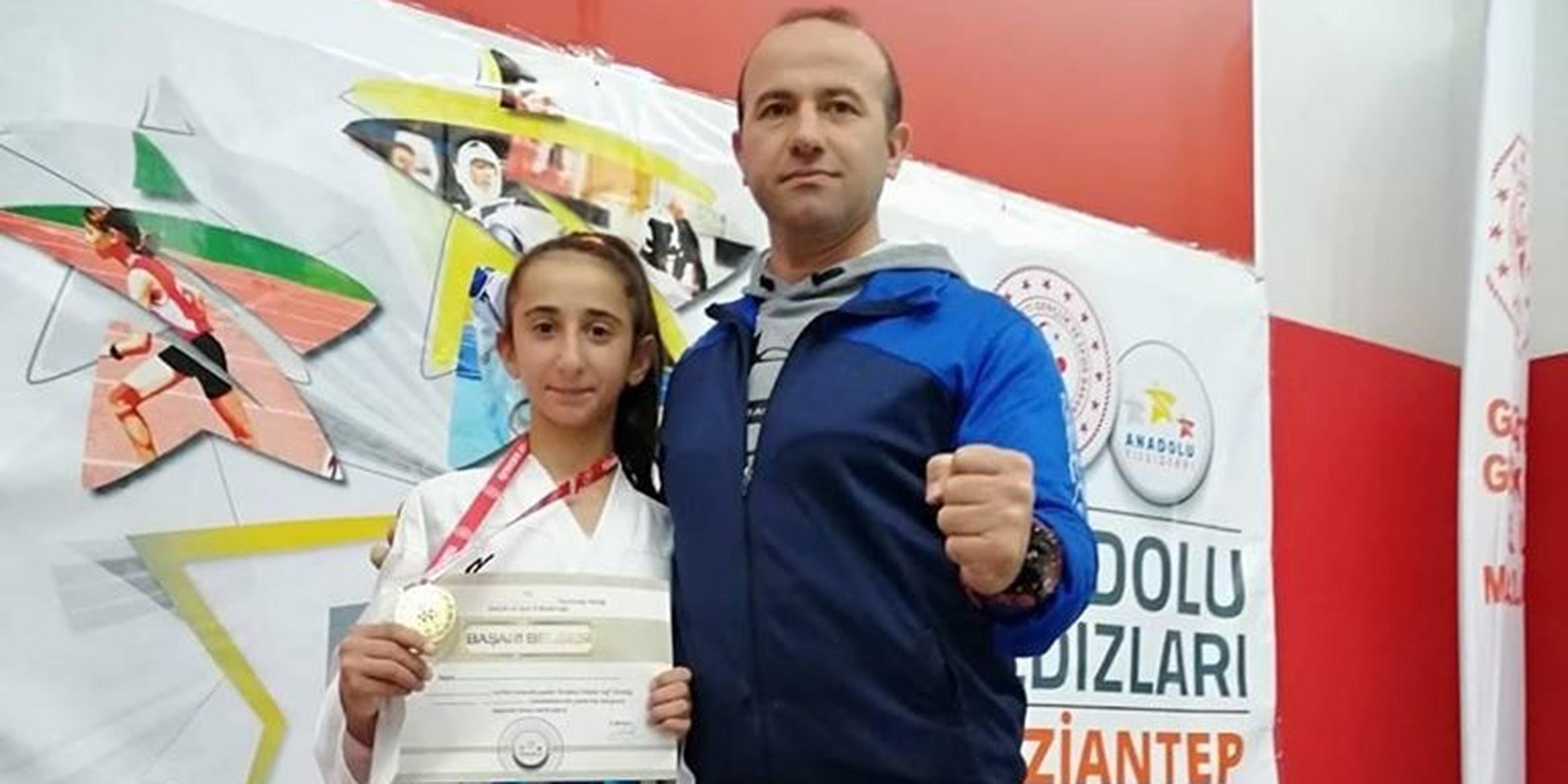 Bağlar Belediyesporlu genç karateci altın madalya kazandı