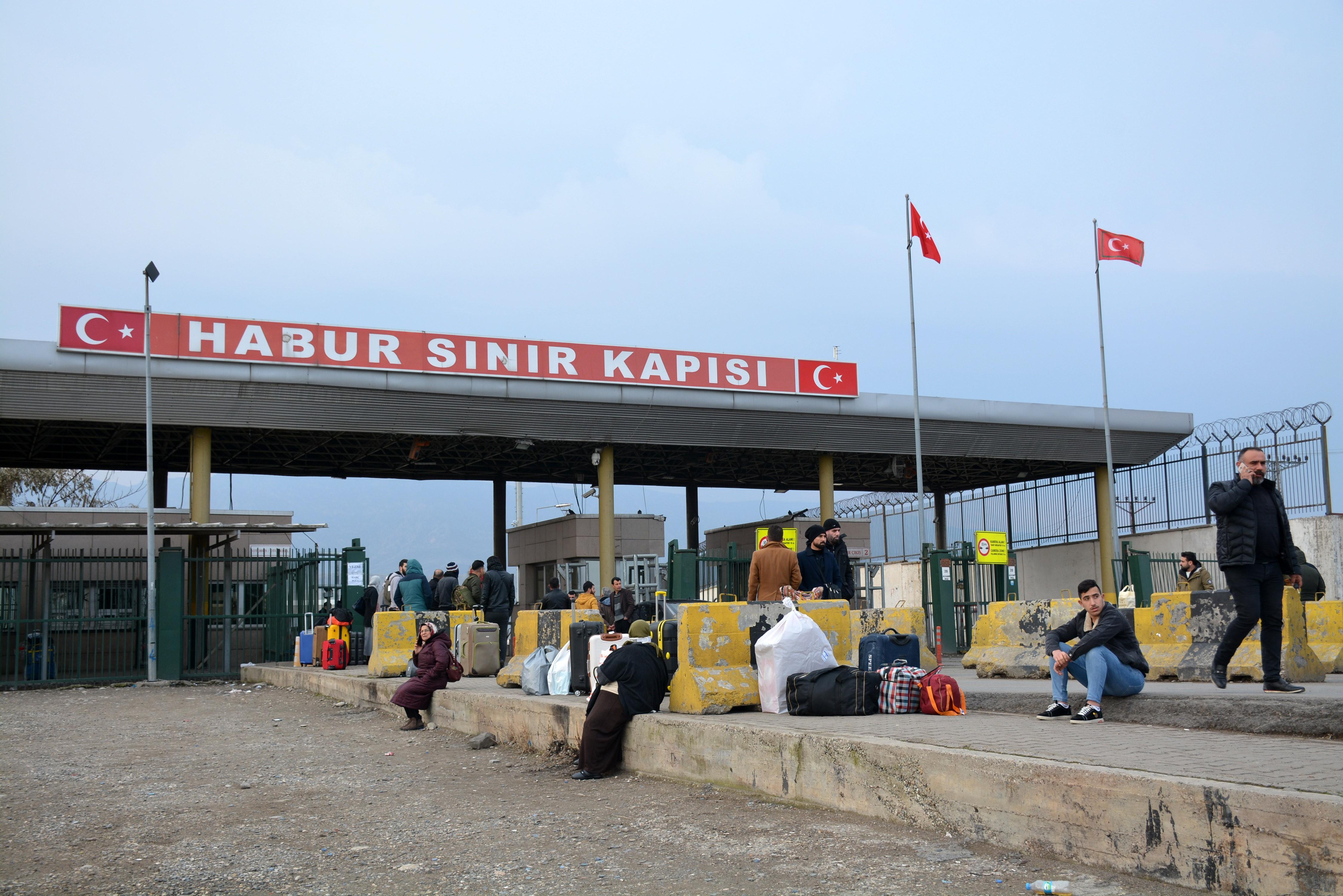 Habur Sınır Kapısı, koronavirüs nedeniyle kapatıldı