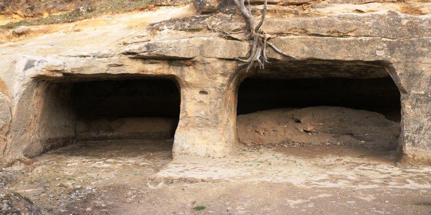 VİDEO - Diyarbakır'daki asırlık mağaralar keşfedilmeyi bekliyor