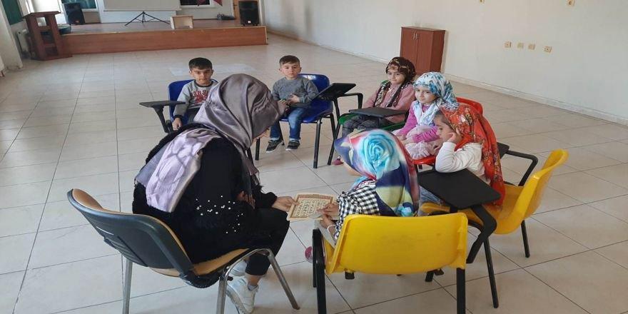 Miniklere Kur'an eğitimi
