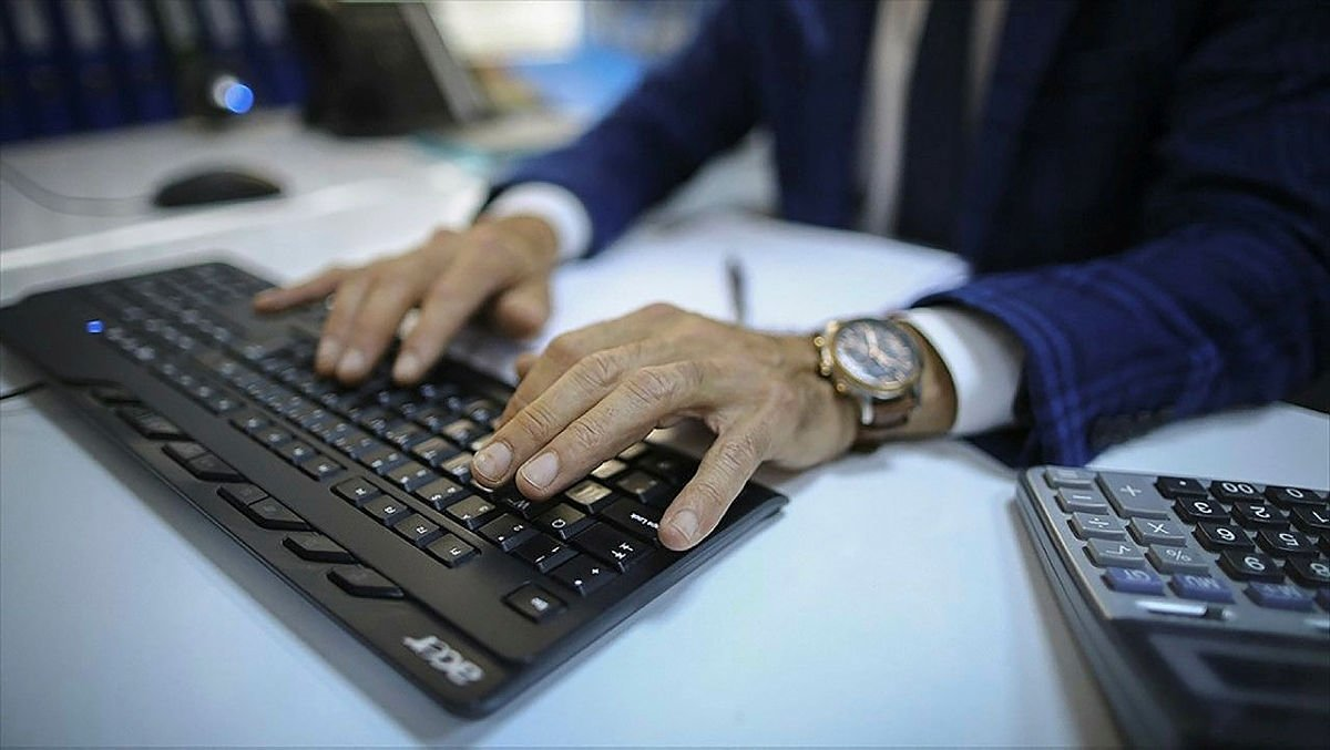 Kamu çalışanlarının mesai saatlerine düzenleme
