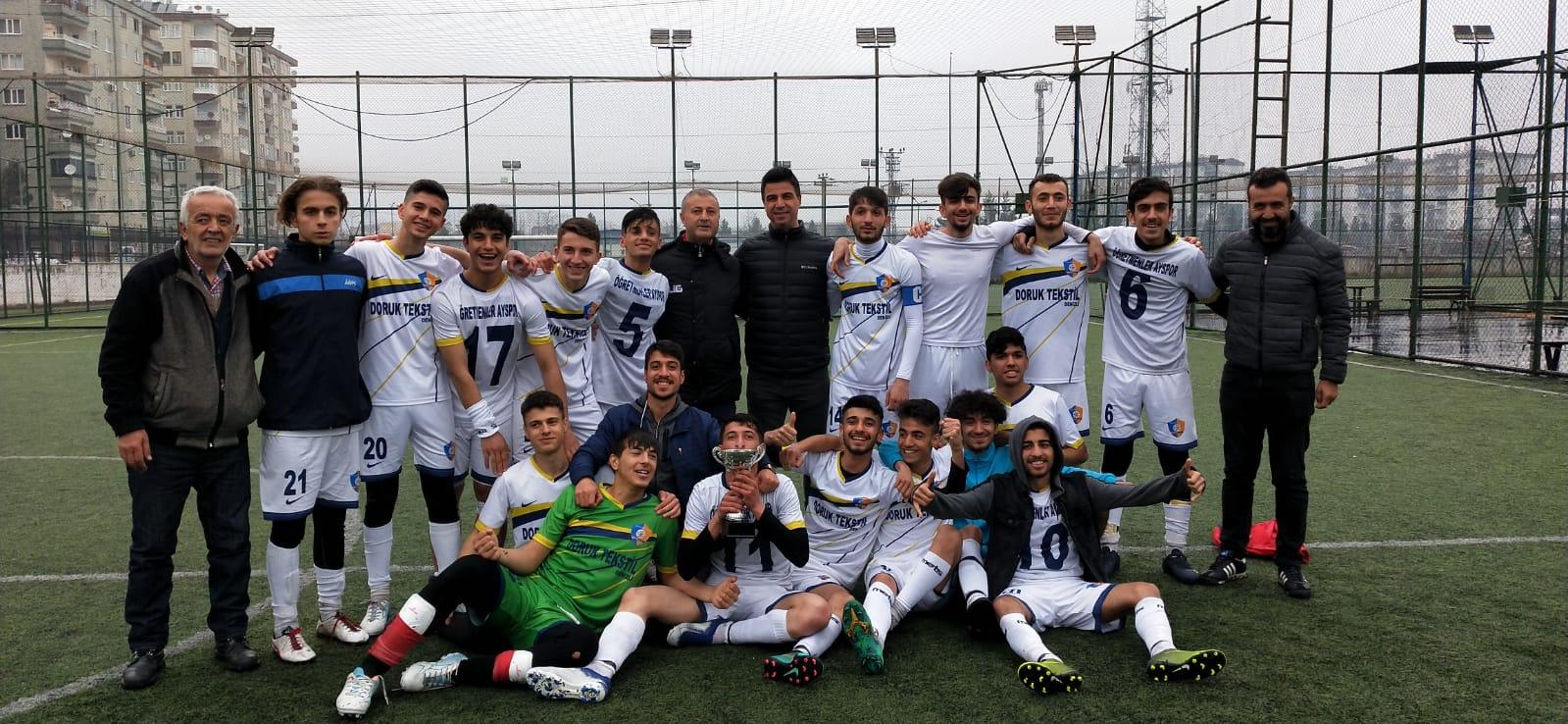 U19'da şampiyon Öğretmenler Ayspor oldu