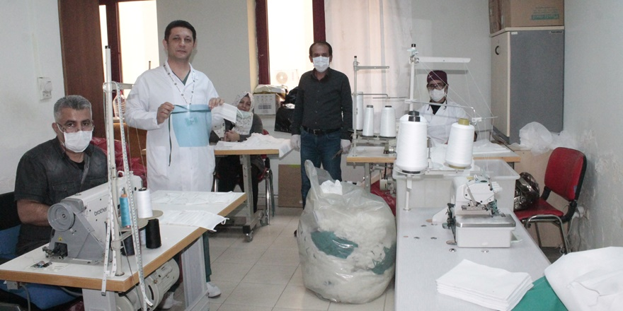 Hastane, kendi personeli için maske üretmeye başladı