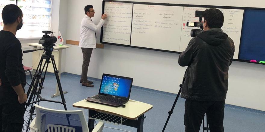 Diyarbakır'da online eğitim başladı