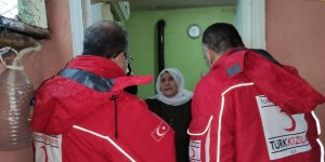 Kızılay'dan 65 yaş üstü ve kronik hastalığı olan vatandaşlara yardım