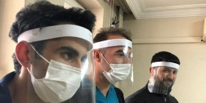 Beytüşşebap'ta sağlık çalışanları için yüz koruyucu siper üretiliyor