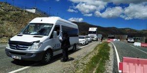 Ergani'de araç giriş ve çıkışları durduruldu
