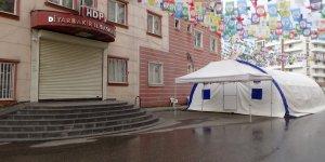 HDP önündeki aileler 222 gün sona eylemlerine ara verdi