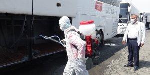 Irak'tan vatandaşları Diyarbakır'a getiren otobüsler dezenfekte edildi