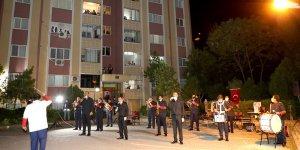 Diyarbakır'da evde kalan vatandaşlar için konser