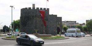 Diyarbakır'da kısıtlamanın ilk gününde sessizlik hakim