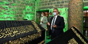 Diyarbakır'ın yeni Valisi ilk ziyaretini Hz. Süleyman'a yaptı