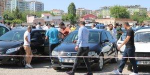 VİDEO - Diyarbakır'da İkinci el oto pazarı 'korona pazarı' oldu