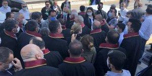 'Savunma Yürüyüşü'ne polis engeli