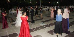 Diyarbakır'da düğünler korona önlemleriyle başladı