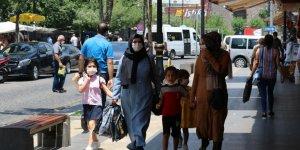 Vakaların arttığı Diyarbakır'da çocuklardan maske ayarı!