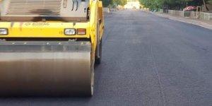 Bağlar'da asfaltlama çalışmaları sürüyor
