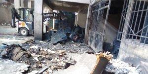 Yangında hasar gören iş yerleri enkazdan temizlendi