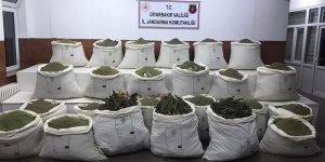 Diyarbakır'da 4 farklı noktada 877 kilogram esrar ele geçirildi