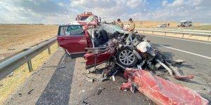 Seyir halindeki araç tıra arkadan çarptı: 4 yaralı