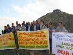 Tunceli'de  Kalekol protestosunda 2 kişi yaralandı