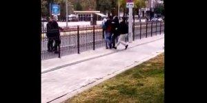 VİDEO - Diyarbakır Valiliği önünde bir vatandaş kendisini yakmak istedi