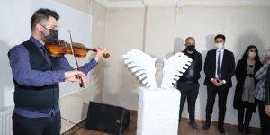 Hakkari'de ilk defa heykel sergisi açıldı