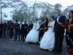 Kar üstünde çifte düğün