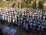 Dicle'nin kıyısında 400 kişilik  ritm gösterisi