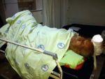 Dere yatağına düşen yaşlı adam ağır yaralandı