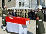Yaşamını yitiren yüzbaşı için uğurlama töreni düzenlendi