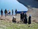 Bir kadın Atatürk Barajı'na atlayarak intihar etti