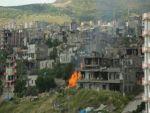 Yasağın sürdüğü Şırnak'ta mahalleler obüslerle bombalanıyor