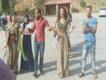Yol kesen PKK'lilerle halay çekenler serbest bırakıldı
