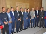 Bitlis Valiliğinde kupa töreni