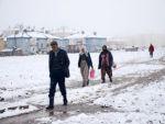 Tunceli'nin Ovacık ilçesinde kar sürprizi