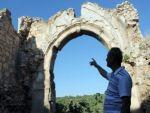 900 yıllık manastırdan geriye birkaç duvar kaldı