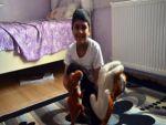 Ablasını kanserden kaybeden 8 yaşındaki Özgürcan hayata tutundu
