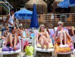 Antalya'ya toplam 2 milyon Rus turist geldi