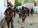 300 polis ile hava destekli operasyon