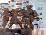 DİYARBAKIR ATATÜRK ANITI'NA ÇEKİÇLİ SALDIRI