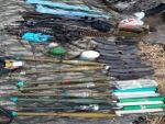 Diyarbakır'da  silah, yaşam malzemesi ile 1 ton 661 kilo esrar ele geçirildi