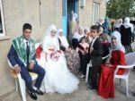 Kan davalı köyün yarım asırlık düğün hasreti sona erdi