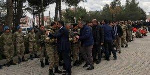 Diyarbakır'da 64 güvenlik korucusu Afrin'e gönderildi