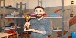 'Uluslararası İyilik Ödülü' alan gencin hedefi, çocuklar için protez yapmak